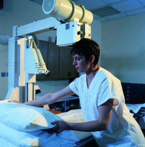 טכנאית רנטגן MRI